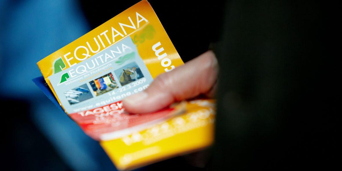 Unter allen Ü40-Clubmitgliedern verlost die PEMAG 5x2 Tageskarten für die EQUITANA 2019, die an jedem beliebigen Messetag eingelöst werden können.