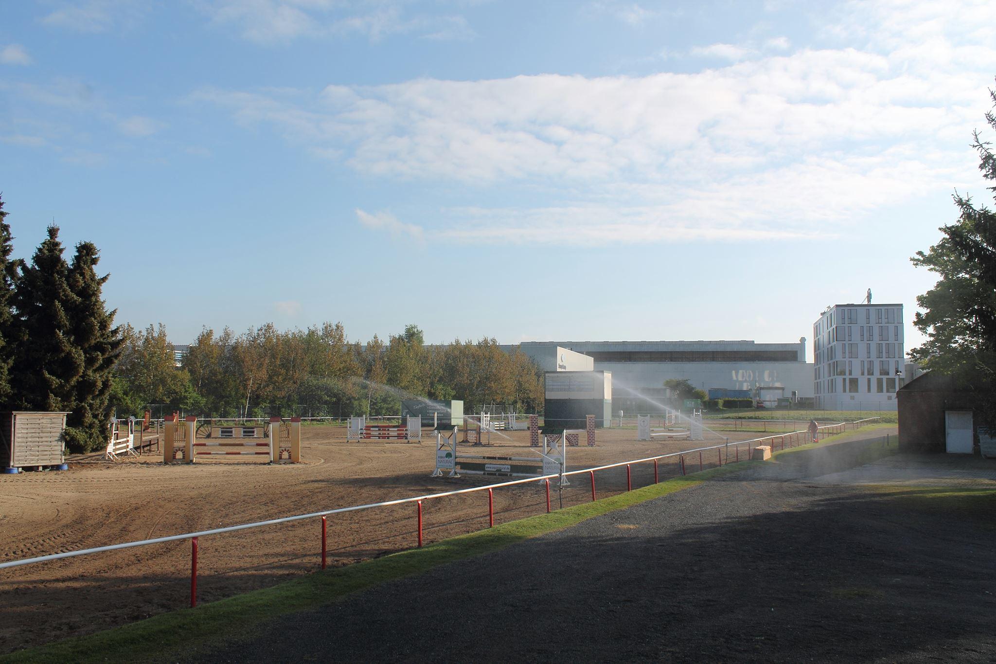 Das stimmungsvolle Turnier des Pony- Reit- und Fahrclubs Krefeld bietet für die erste Qualifikation zum PEMAG Ü40-Cup beste Bedingungen. Foto: privat